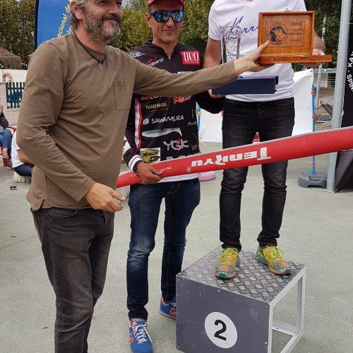 Paco Ramos recogiendo premios por la 2ª posición obtenida en el Open.
