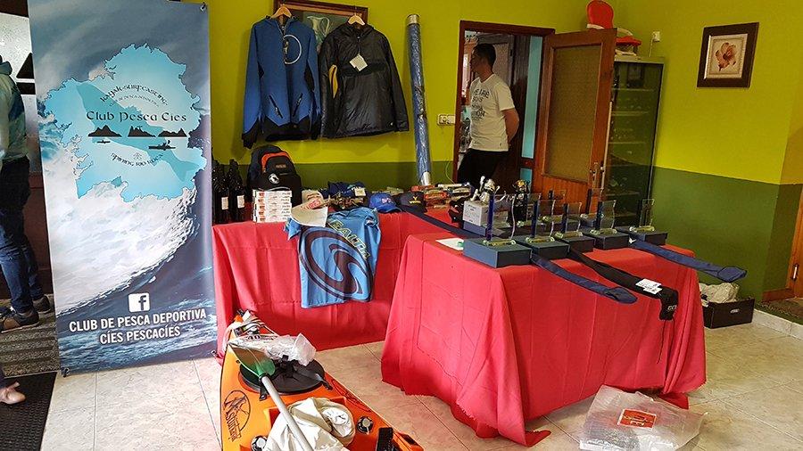 Exposición de premios para los ganadores.